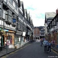 Chester - járda az emeleten, régi városfal, fura törvények