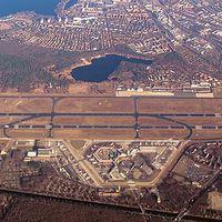 Berlin-Tegel - a reptér, ami csak nem akar becsukódni