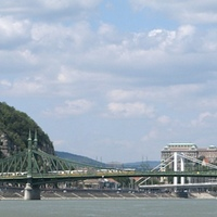 Villamostorlódás a Szabadság hídon