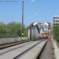 Közúti-vasúti híd a Tisza fölött