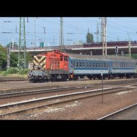 Vonatra várakozás közben Debrecenben
