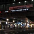 Berlin-Friedrichstrasse - határral és anélkül