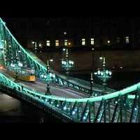 Szélzaj és remegés a Szabadság hídon