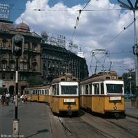 Brandek és neonreklámok a hetvenes évek budapesti utcáin