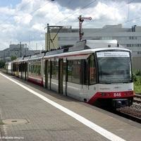 Karlsruhei villamossal a rüsselsheimi vasútállomásra
