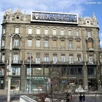 Fejünk felett és talpunk alatt változó Budapest