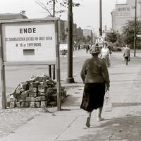 Berlin: élet a Fal előtt