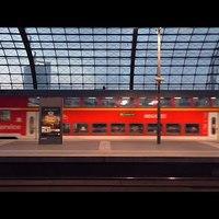 Berlin Hauptbahnhof, felső szint - tévétoronytól tévétoronyig