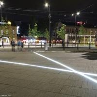 Óvatosan közlekedjetek a Széll Kálmán téren, rá ne lépjetek a fénykardokra!