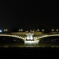 A díszkivilágítás próbája a Margit hídon?
