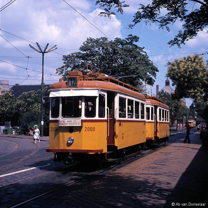 BKV_2001+2000_Ln12_Bajcsy_Zsilinszki_ut_19760802_AvD.jpg