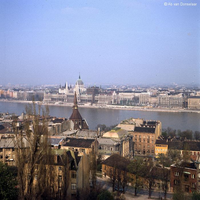 Budapest_Parlement_19790409_AvD.jpg