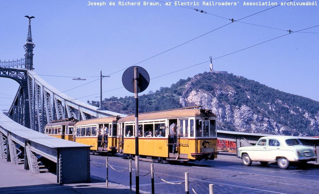 budapest_41_aug_17_1967_szabadaag_hid_gellert_hill.jpg