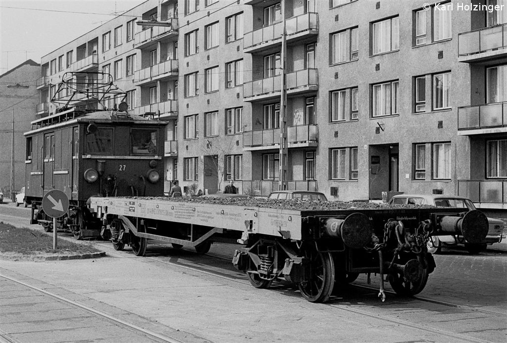 1980_04_12_bkv_hev_abw_28449_frangepan_utca_ho74523_at.jpg
