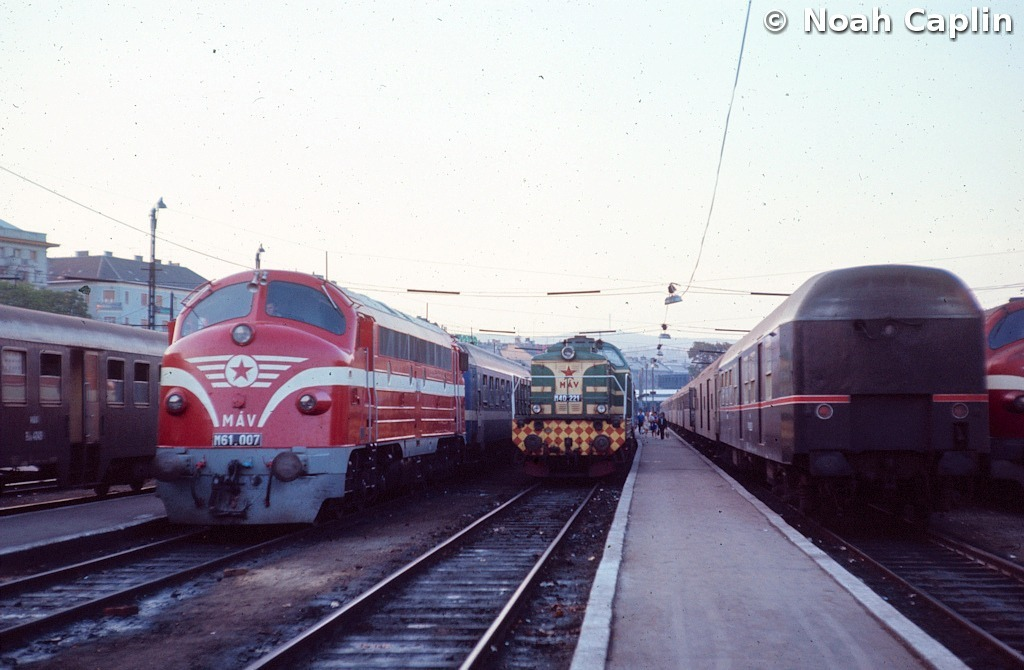 1973091015.jpg