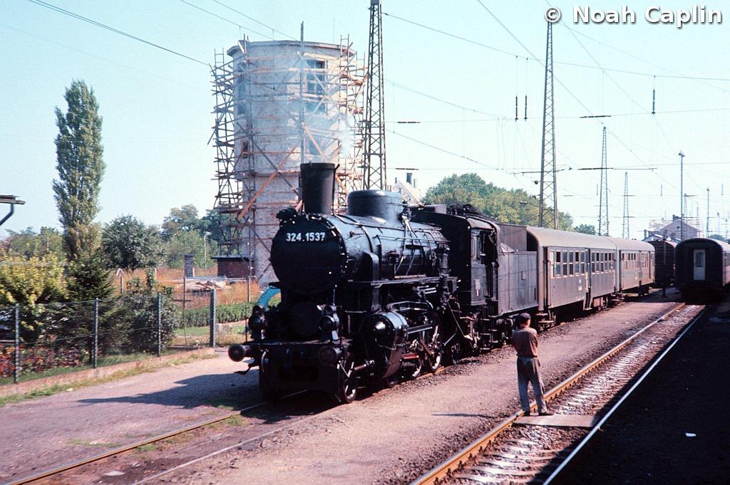 1973091021.jpg