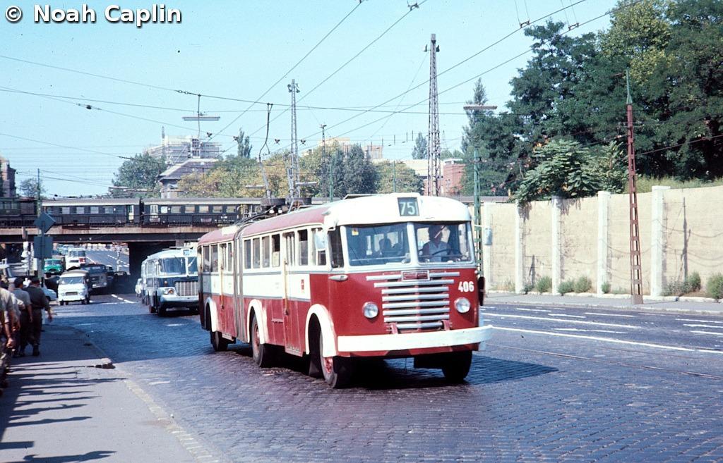 197309718.jpg