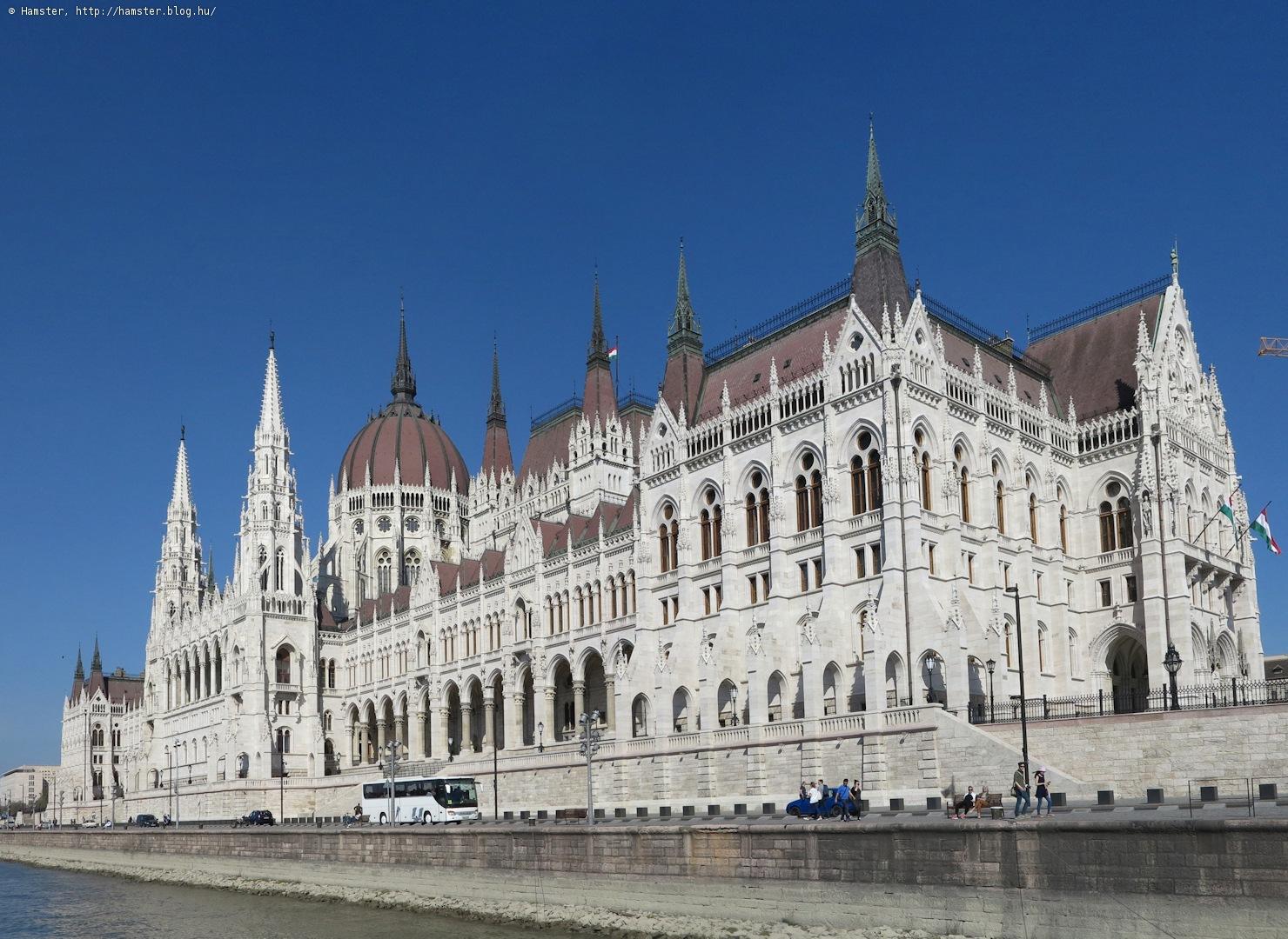 parlament_lentrol_2.jpg