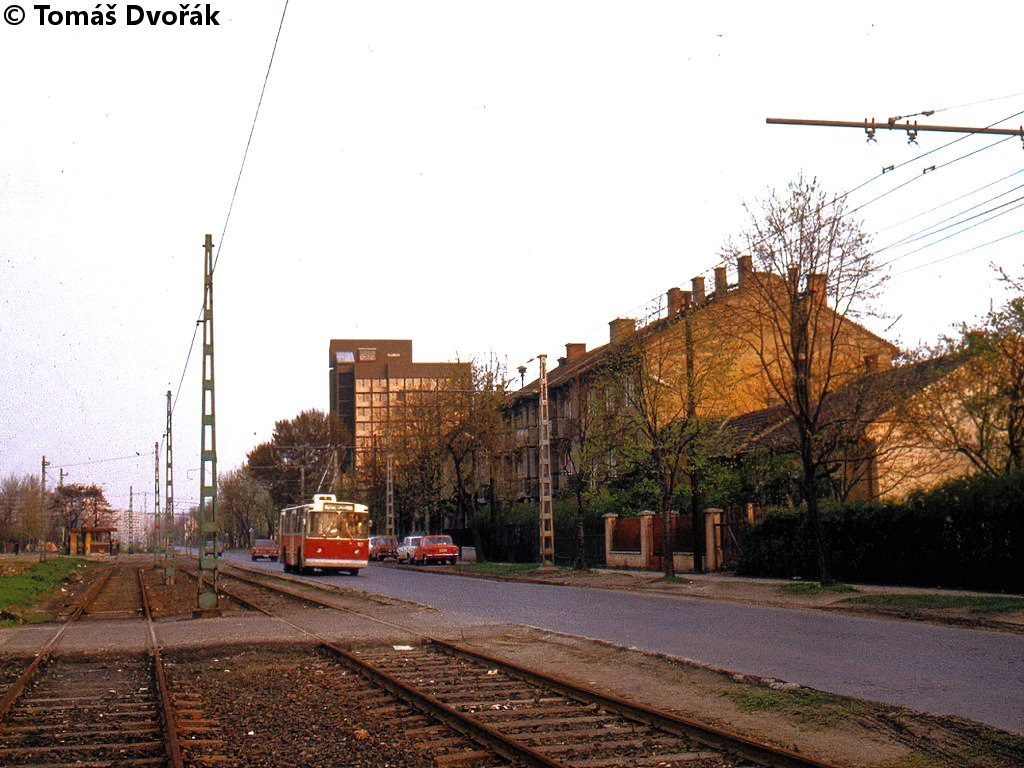 19800427_vezer_utca.jpg