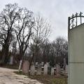 Aki felavatta a temetőt, azt temették el legelőször