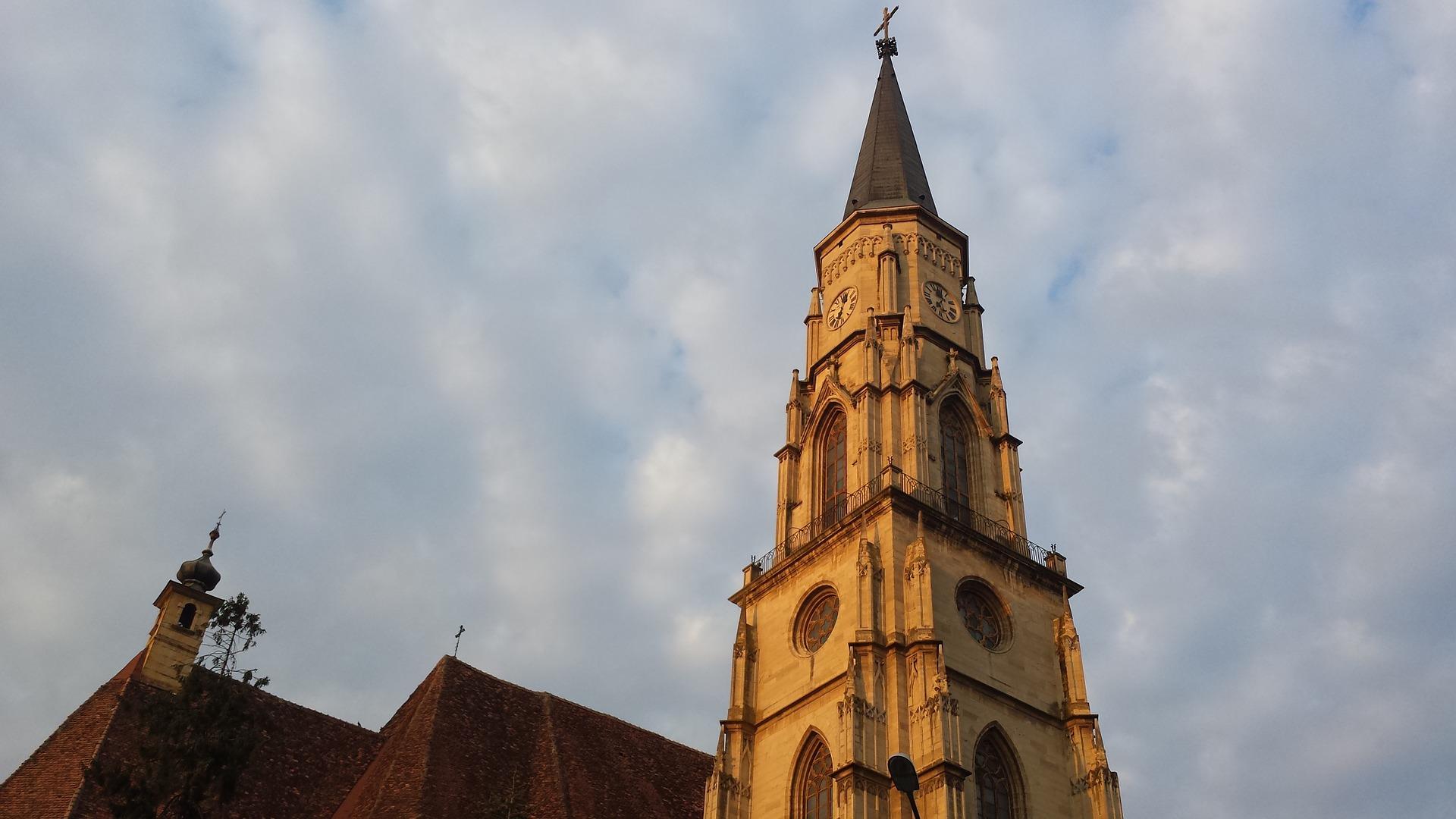 church-773229_1920.jpg