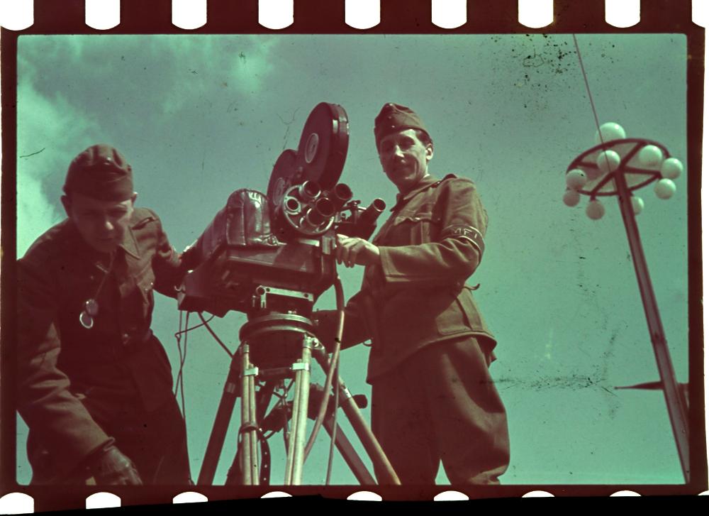magyar_film_iroda_1940_korul_masolata.JPG
