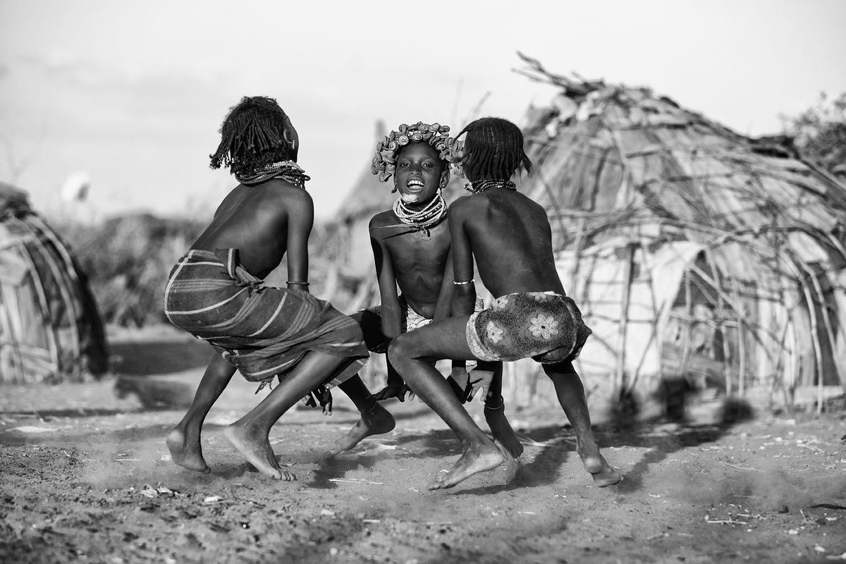 tribal-dance-ethiopia-dassanech-omo-river-canon-eos-5d-mark-iii-70-200mm-goran-jovic.jpg