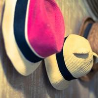 Fel a kalappal!