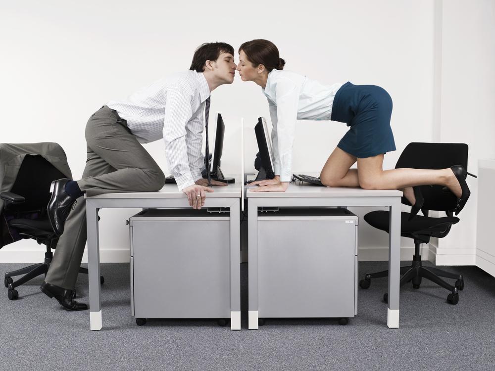 munkahelyi-szerelem3.jpg