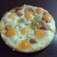 Tojáspizza