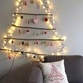 Saját készítésű karácsonyfa dekoráció a falra