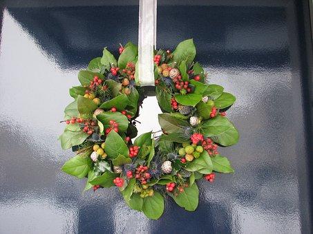 wreath-1544893_340.jpg