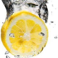 Vodkás-pezsgős citromfagylalt