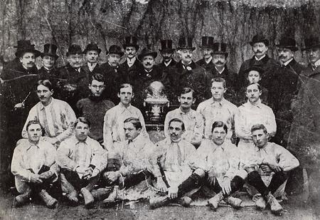 ftc_elso_bajnokcsapata_1903.jpg
