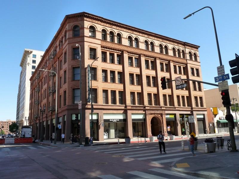 7_bradbury_building.jpg