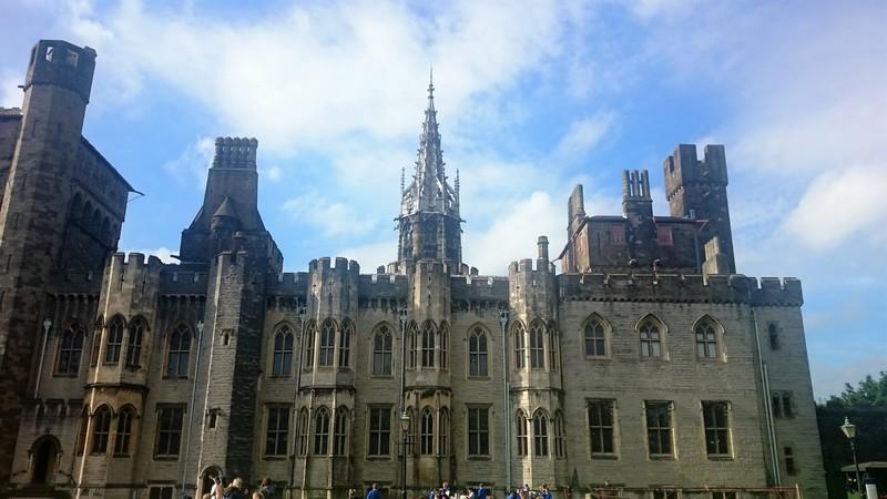 cardiff_castle_wales.jpg