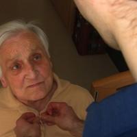 Kettészakadva 3.: idősápolóként Angliában