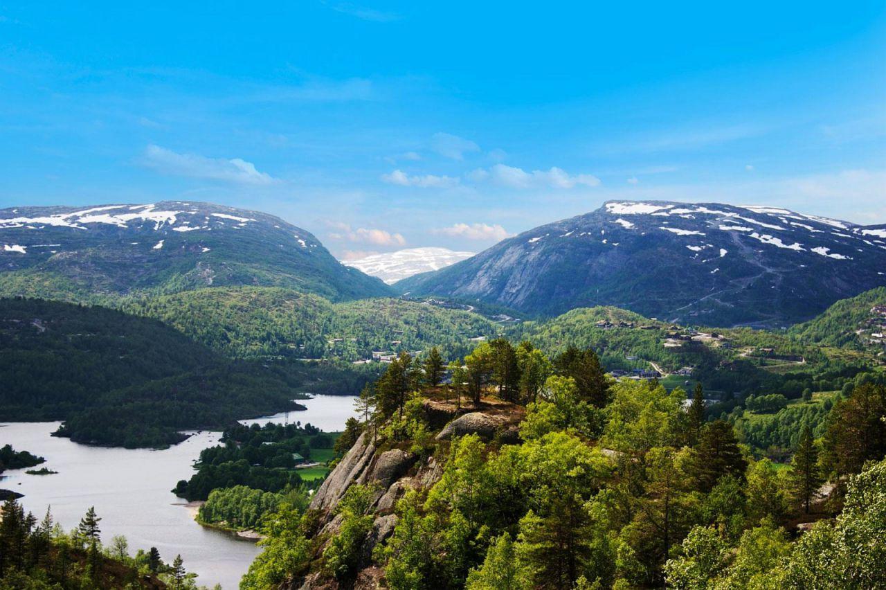 A megyék északi részei már hegyekbe ütköznek, hiába Dél-Norvégia
