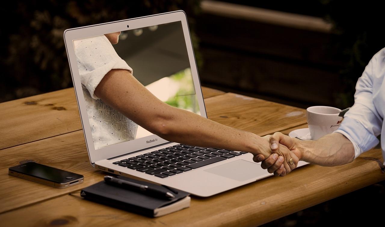 baratsag_laptop_foto_pixabay_com_geralt.jpg