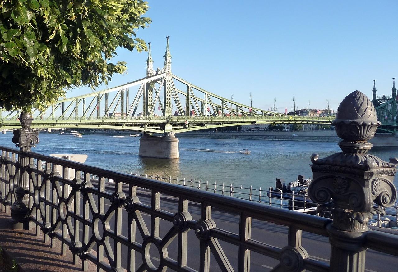 budapest_szabadsag_hid_foto_pixabay_com_pokati3.jpg