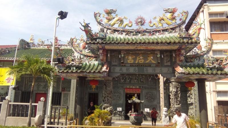 cim_penang_buddhist_temple.jpg