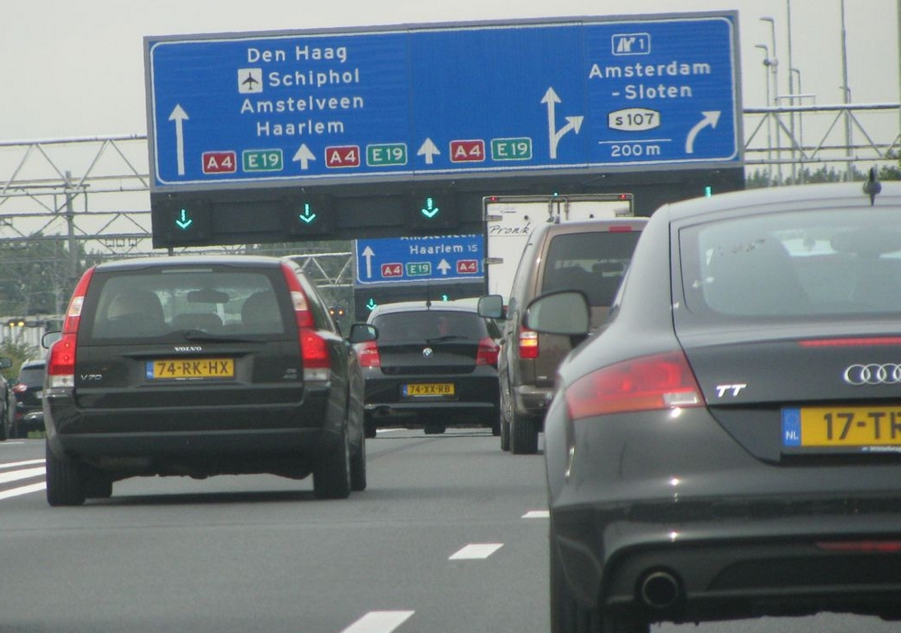 hollandia_forgalom.jpg
