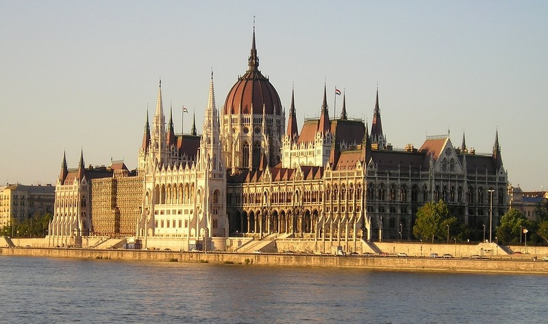 magyarorszag_parlament_foto_pixabay_com_skeeze_1.jpg