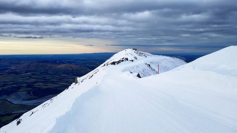 mt_hutt_skiing.jpeg