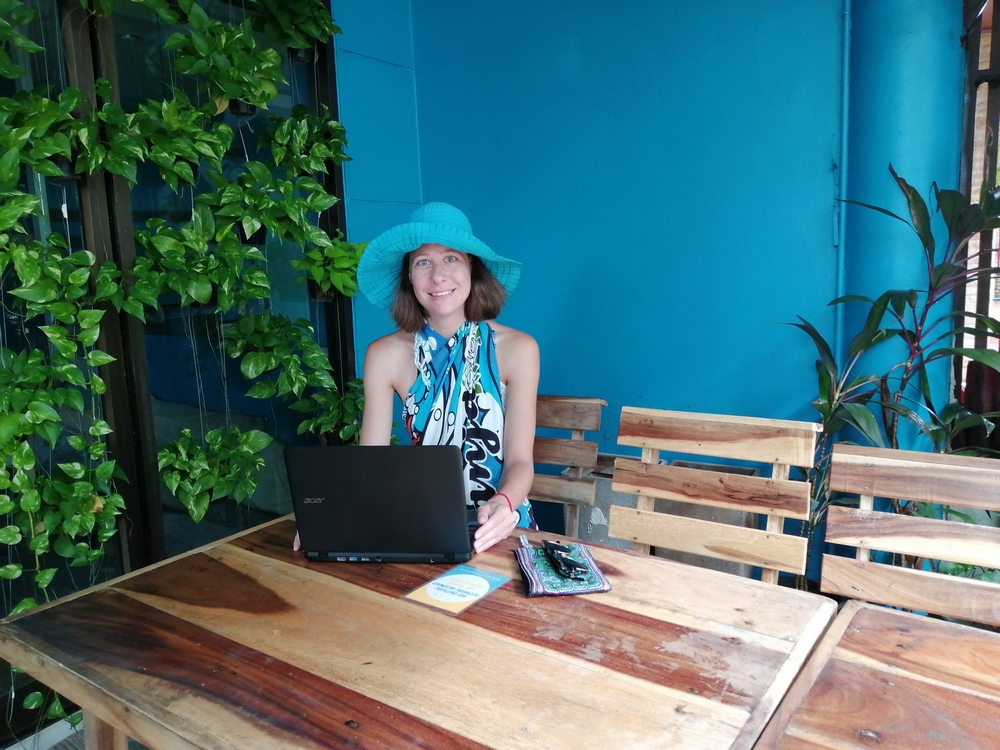 phuket-hostel-laptop.jpg