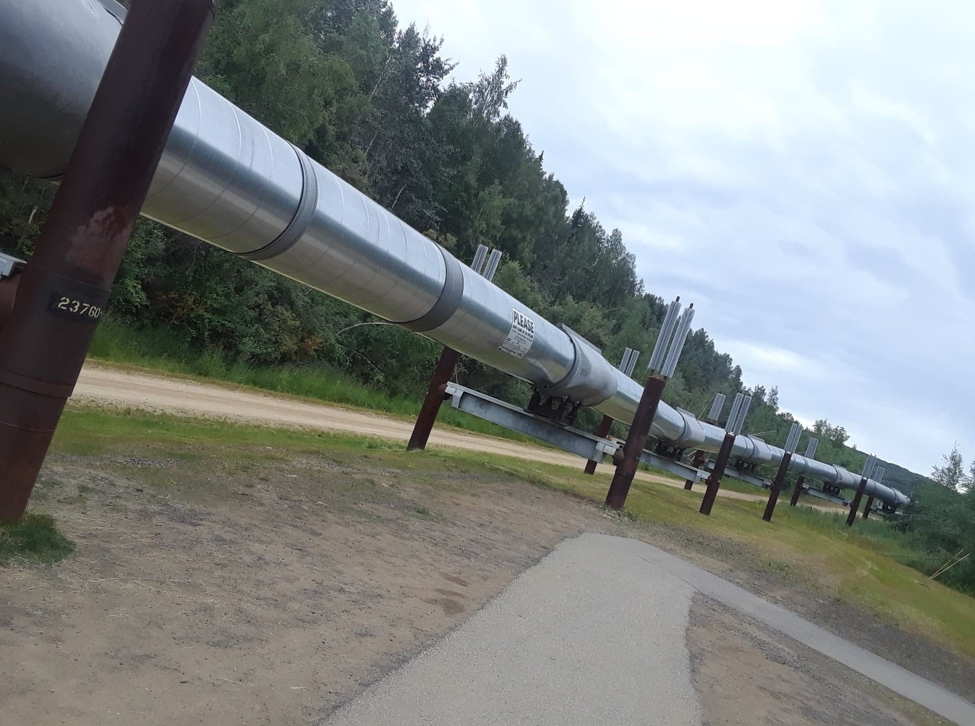 pipeline_at_fairbanks.jpg