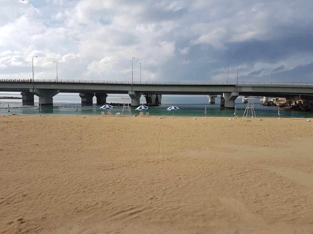 strand_az_autopalya_alatt_okinawan.jpg