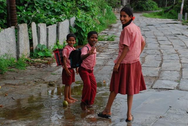 Iskolás gyerekek.jpg