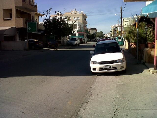 Parkoljunk a járdán 2.jpg