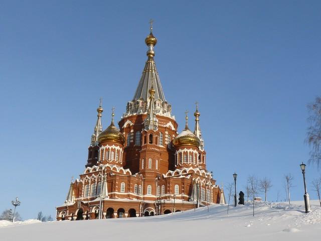a Szent Mihály katedrális, Izsevszk újjáépített büszkesége.JPG